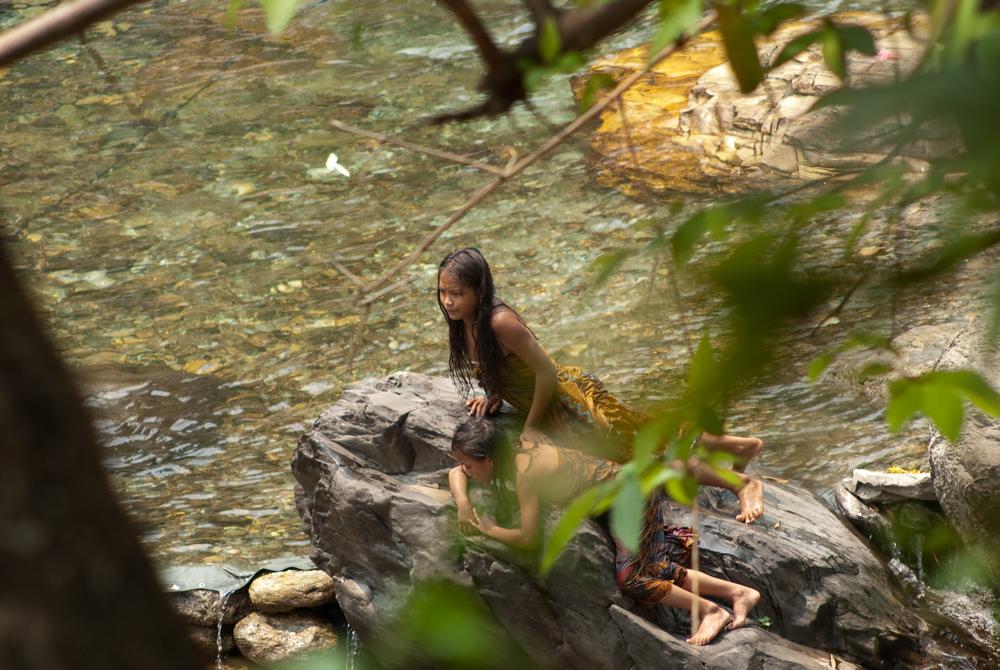nepal-annapurna-fiume-viaggi-bosco